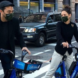 Katie Holmes: Ποδηλατοβόλτα με την 14χρονη Suri & τον νέο 34χρονο σεφ δεσμό της – Τρέμε Cruise (Φωτό)  - Κυρίως Φωτογραφία - Gallery - Video
