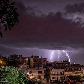 Η Κρήτη στο μάτι της κακοκαιρίας: Άνοιξαν οι ουρανοί – Πλημμύρισαν οι δρόμοι & η παλιά πόλη του Ρεθύμνου (Φωτό & Βίντεο)    - Κυρίως Φωτογραφία - Gallery - Video