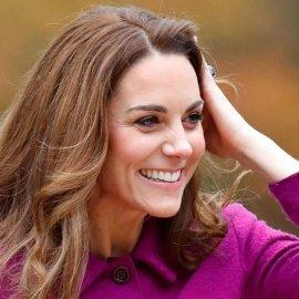 Το παλτό της ημέρας από την Kate Middleton! - Κόκκινο, μακρύ, μεσάτο & σταυρωτό (Φωτό & Βίντεο)  - Κυρίως Φωτογραφία - Gallery - Video