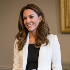 Kέι Μίντλεντον: Κατέπληξε με την νέα της εμφάνιση στο διαδίκτυο: Το σικ ταγιέρ & το μεγάλο... χαμόγελο (φωτό) - Κυρίως Φωτογραφία - Gallery - Video