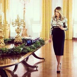 Ο Λευκός Οίκος στολίστηκε με γκλάμουρ για τελευταία φορά από το εκκεντρικό προεδρικό ζεύγος Ντόναλντ & Μελάνια Τραμπ (Φωτό & Βίντεο) - Κυρίως Φωτογραφία - Gallery - Video