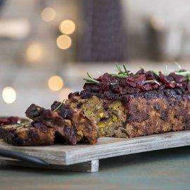 O αγαπημένος μας σεφ Άκης Πετρετζίκης μας ετοιμάζει Χριστουγεννιάτικο κέικ με μανιτάρια  - Κυρίως Φωτογραφία - Gallery - Video