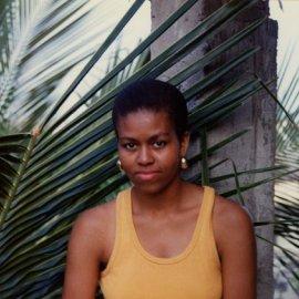 Η Μισέλ Ομπάμα γιορτάζει τα γενέθλιά της: Τα «σ' αγαπώ» του Μπαράκ και το άφρο μαλλί που δεν αποχωρίζεται (φωτό) - Κυρίως Φωτογραφία - Gallery - Video