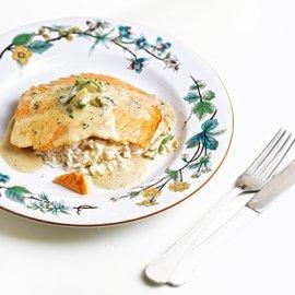 Η Αργυρώ Μπαρμπαρίγου μαγειρεύει ένα απίστευτο πιάτο - Λαχταριστός σολωμός  με σάλτσα τυριού - Κυρίως Φωτογραφία - Gallery - Video