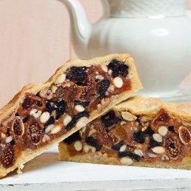 Ο Στέλιος Παρλιάρος δημιουργεί: Λαχταριστή πίτα με ξερά φρούτα και μέλι - Κυρίως Φωτογραφία - Gallery - Video