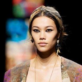 Σαγηνευτικό βλέμμα με έντονο eyeliner : Η top τάση στο μακιγιάζ για το 2021 & οι παραλλαγές της (φώτο) - Κυρίως Φωτογραφία - Gallery - Video