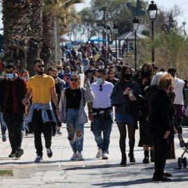 Καθηγητής Παυλάκης: Χρειάζεται ένα τίμιο lockdown δύο εβδομάδων - Το άνοιγμα των σχολείων μπορεί να φέρει τσουνάμι κρουσμάτων - Κυρίως Φωτογραφία - Gallery - Video