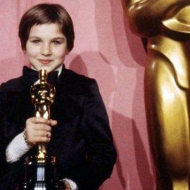 Vintage pics της Tatum O'Neal: Η ηθοποιός που κέρδισε Όσκαρ στα 10 της! - Το πιο νέο άτομο που πήρε ποτέ το πολυπόθητο βραβείο - Κυρίως Φωτογραφία - Gallery - Video