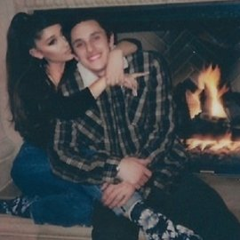 Μυστικός γάμος για την Ariana Grande: Παντρεύτηκε τον 25χρονο μεσίτη Dalton Gomez - Είχαν αρραβωνιαστεί μετά από 11 μήνες σχέσης! - Κυρίως Φωτογραφία - Gallery - Video