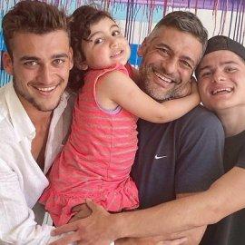 Στέλιος Κρητικός: Πως θα ήθελα να είχα 1, 2, 3, 4 παιδιά! Με πάρα πολλά χαμόγελα στο βίντεο ο ηθοποιός ανακοίνωσε το 4ο μέλος της οικογένειας - Κυρίως Φωτογραφία - Gallery - Video