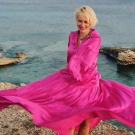 Η ευτυχία της Έλενας Χριστοπούλου στα Κουφονήσια - Η εκπληκτική καλοκαιρινή γκαρνταρόμπα της θρυλικής coach (φωτό) - Κυρίως Φωτογραφία - Gallery - Video