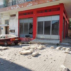 Ισχυρός σεισμός 5,8 Ρίχτερ στο Ηράκλειο Κρήτης - Ζημιές σε ναούς, κτίσματα (φωτό - βίντεο) - Κυρίως Φωτογραφία - Gallery - Video