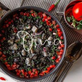 Κριθαρότο μαύρο με σουπιά και ντομάτα από τη Ντίνα Νικολάου: Ένα νόστιμο & υγιεινό πιάτο που πρέπει να δοκιμάσετε  - Κυρίως Φωτογραφία - Gallery - Video