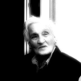 Το πολύκροτο άρθρο της Π. Σακκά για το Alzheimer - 500.000 Έλληνες με νοητικά προβλήματα -1 εκατομμύριο  εμπλέκονται - Ετήσιο κόστος 3 δισ. - Κυρίως Φωτογραφία - Gallery - Video