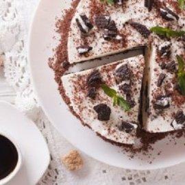 Δημήτρης Σκαρμούτσος: Cheesecake με μπισκότα oreo - το λαχταριστό γλυκό που μπορείτε να φτιάξετε στο τσακ μπαμ  - Κυρίως Φωτογραφία - Gallery - Video