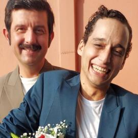 Μιχάλης Οικονόμου: Παντρεύτηκε με πολιτικό γάμο τον σύντροφό του, Γιώργο Μακρή - To άλμπουμ του γάμου  - Κυρίως Φωτογραφία - Gallery - Video