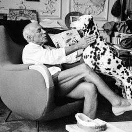 """Σπάνιες Vintage Pics: O Πάμπλο Πικάσο σε """"προσωπικές στιγμές"""" με τα αγαπημένα του σκυλιά - Υπέροχα κλικς με το μεγάλο ζωγράφο που γεννήθηκε σαν σήμερα  - Κυρίως Φωτογραφία - Gallery - Video"""