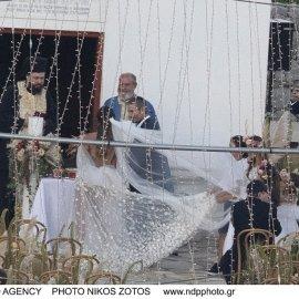 """Οι πρώτες """"καθαρές"""" φωτογραφίες από τον γάμο του καλοκαιριού: Εριέττα Κούρκουλου Λάτση - Βύρων Βασιλειάδης στο ρομαντικό σκηνικό της Μυκόνου - Κυρίως Φωτογραφία - Gallery - Video"""